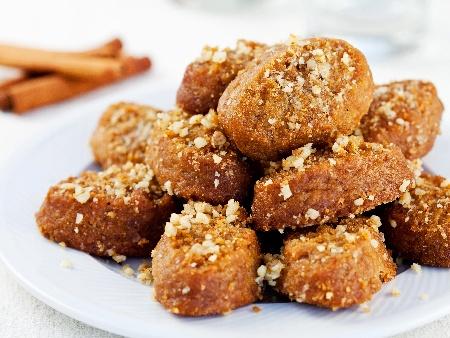 Меломакарона - гръцки портокалови сиропирани сладки (курабийки) с мед - снимка на рецептата